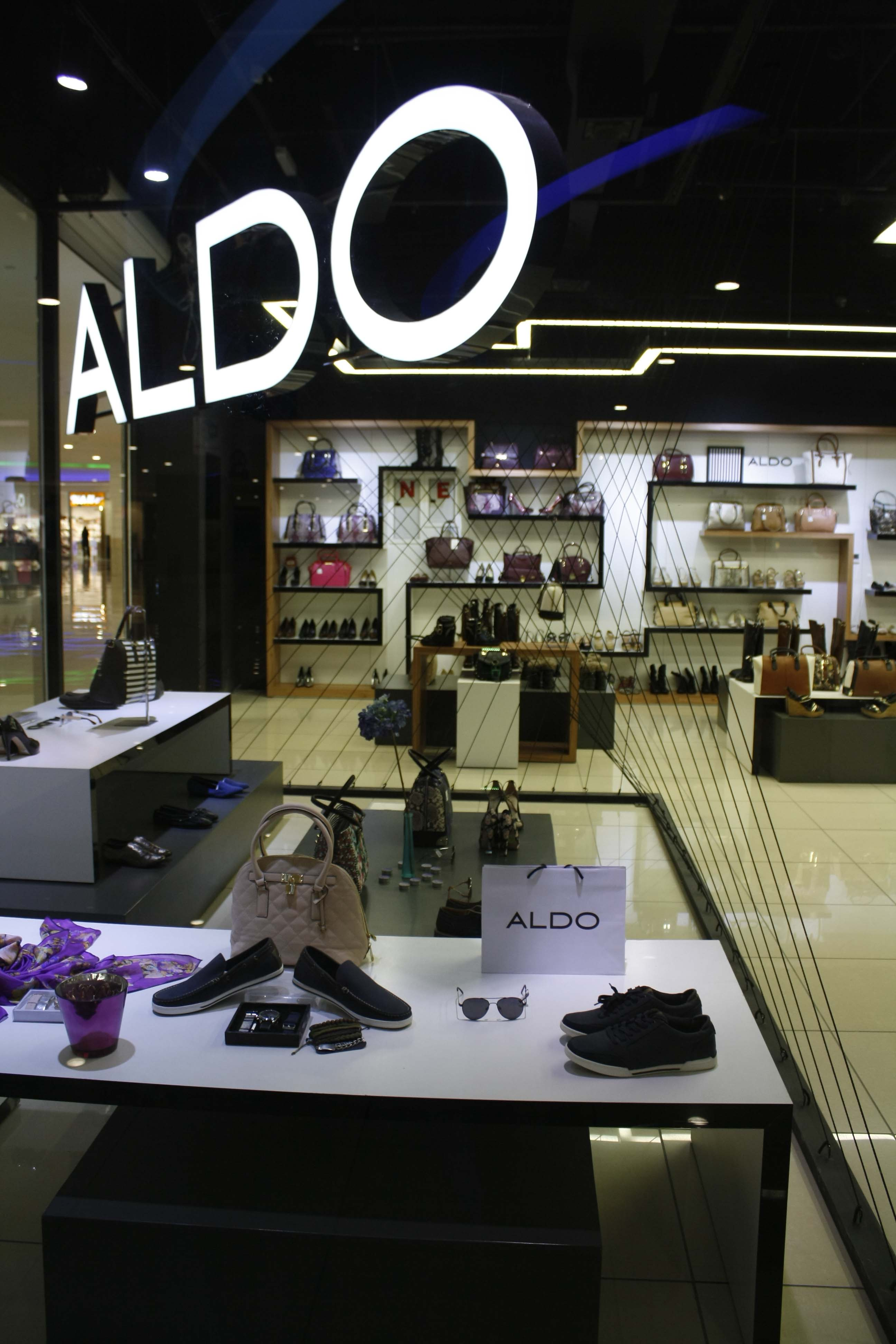 ALDO collection Shop interior